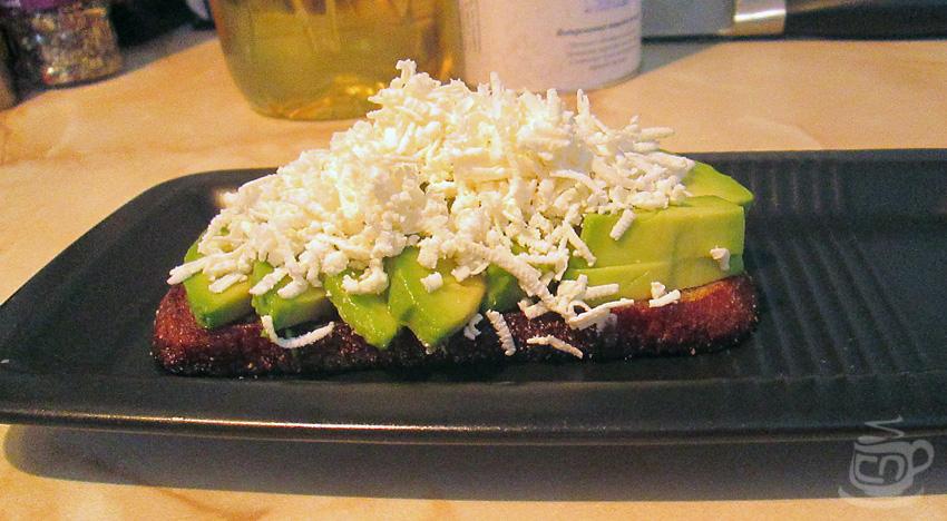 Тост с авокадо и брынзой, 2013