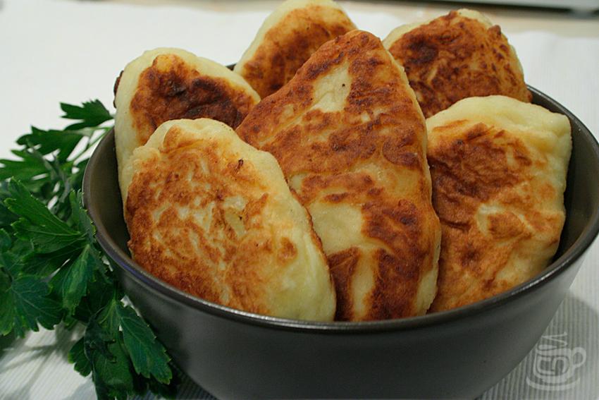 Картофельные пирожки с брынзой, 2013