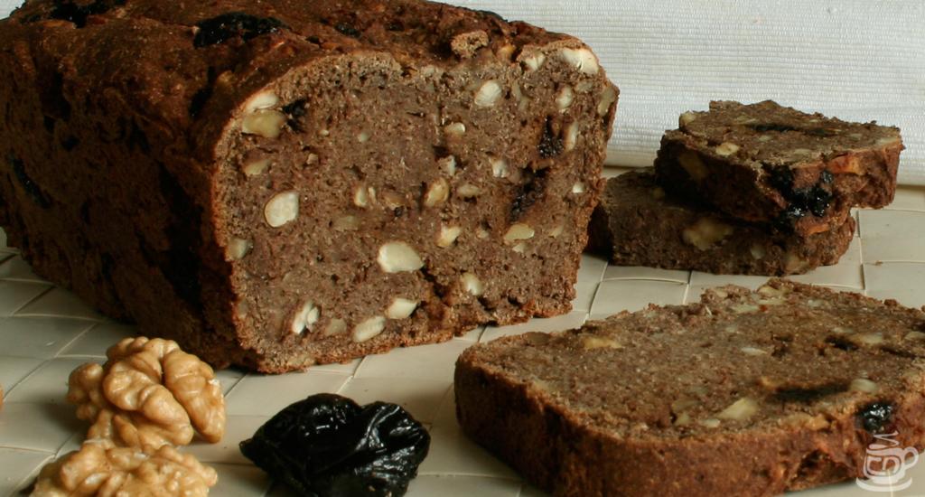 Безглютеновый ореховый хлеб с орехами и черносливом, 2015